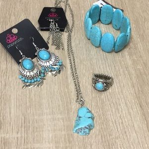 Jewelry - Paparazzi 4 piece Turquoise Crackle